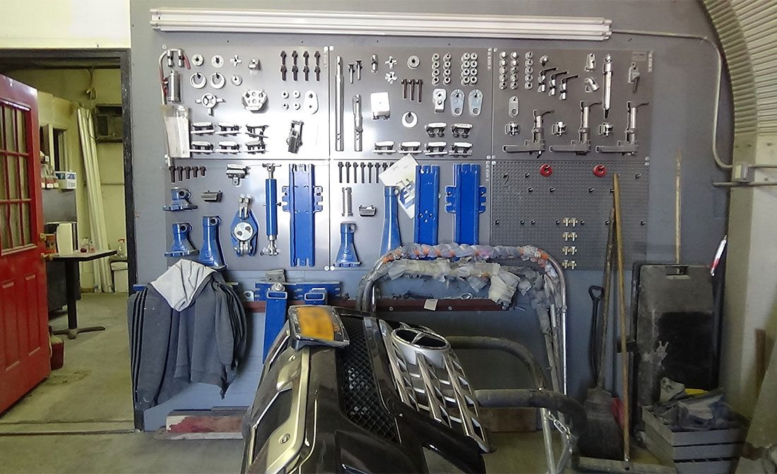 tools used to repair cars in a shop